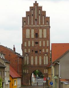 Stadtseite des Brandenburger Tores in Altentreptow
