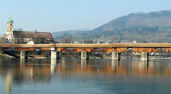 Holzbrücke über den Rhein und Fridolinsmünster