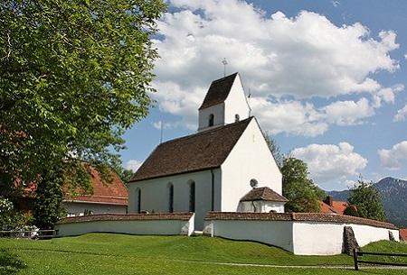 St. Anna Kirche im Ortsteil Hechendorf