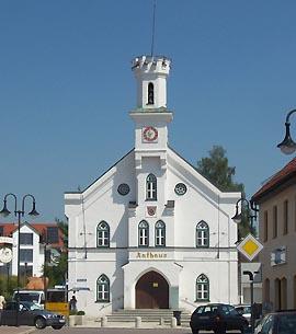 Neugotisches Rathaus in Nandlstadt