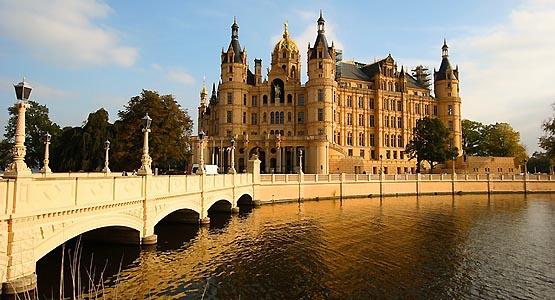Schweriner Schloss - Sitz des Landtages des Bundeslandes Mecklenburg-Vorpommern