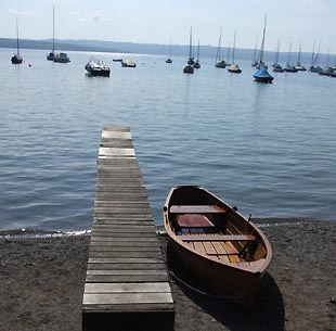 Boote in Utting am Ammersee
