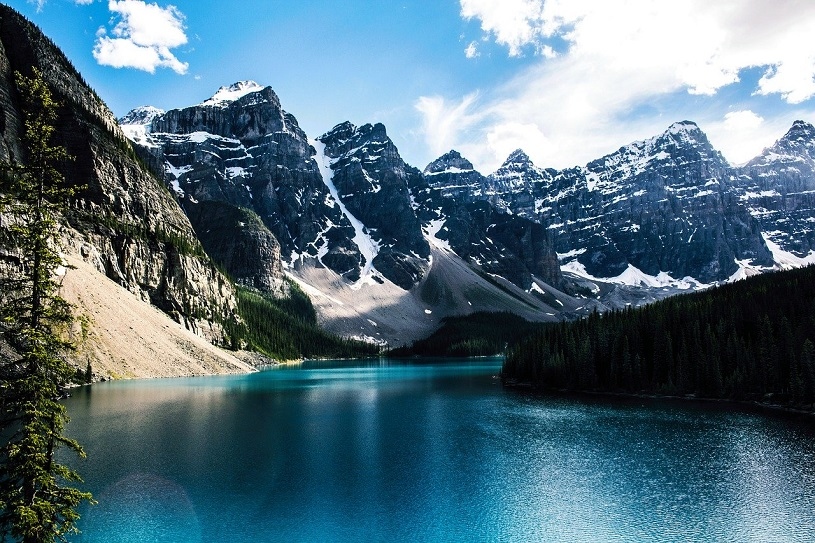 Moraine Lake im Banff-Nationalpark in Alberta